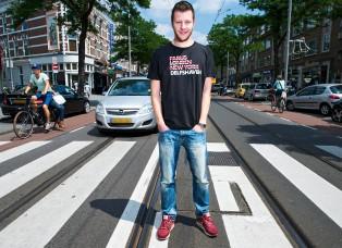 Jeroen van den Broek is winnaar scriptieprijs EUR. Hij heeft onderzoek gedaan naar gebruik van Facebook onder jongeren binnen de straatcultuur. Foto: Frank de Roo